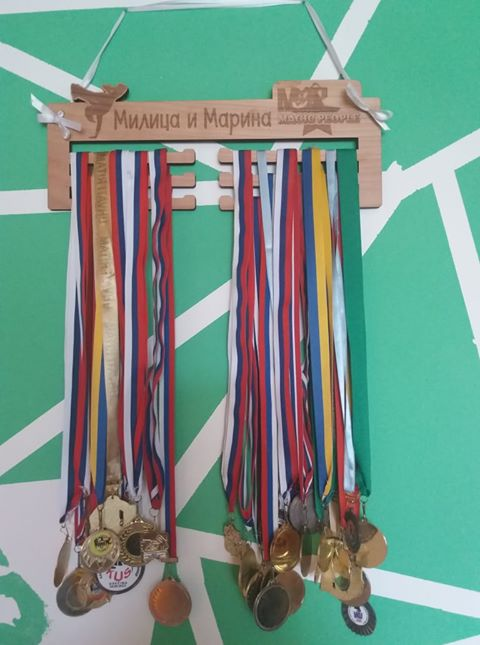 Stalak za medalje Nosac za medalje Drzac za medalje Medalja Sport Poklon za sportistu